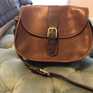 VINTAGE Coach Crossbody with Magnetic Closure